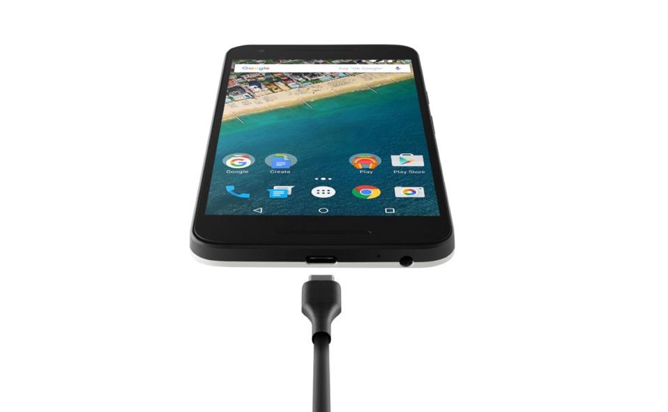 Nexus 5X produsert før november i år lider av dårlig ytelse når den lades med den medfølgende Rapid Charging-laderen.