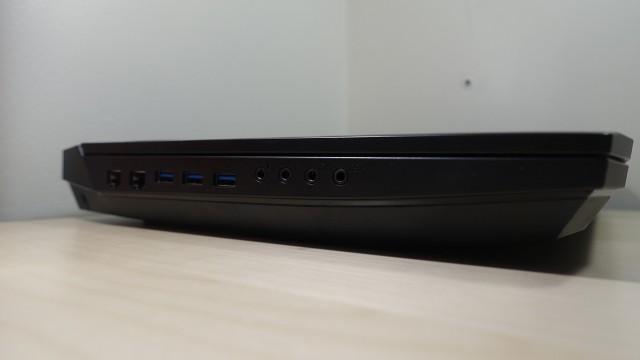 PC-ene har alt man trenger av tilkoblinger (1).