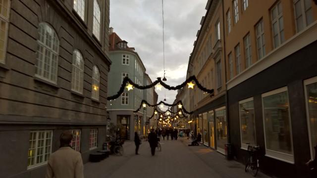 Julelysene er tent i København.