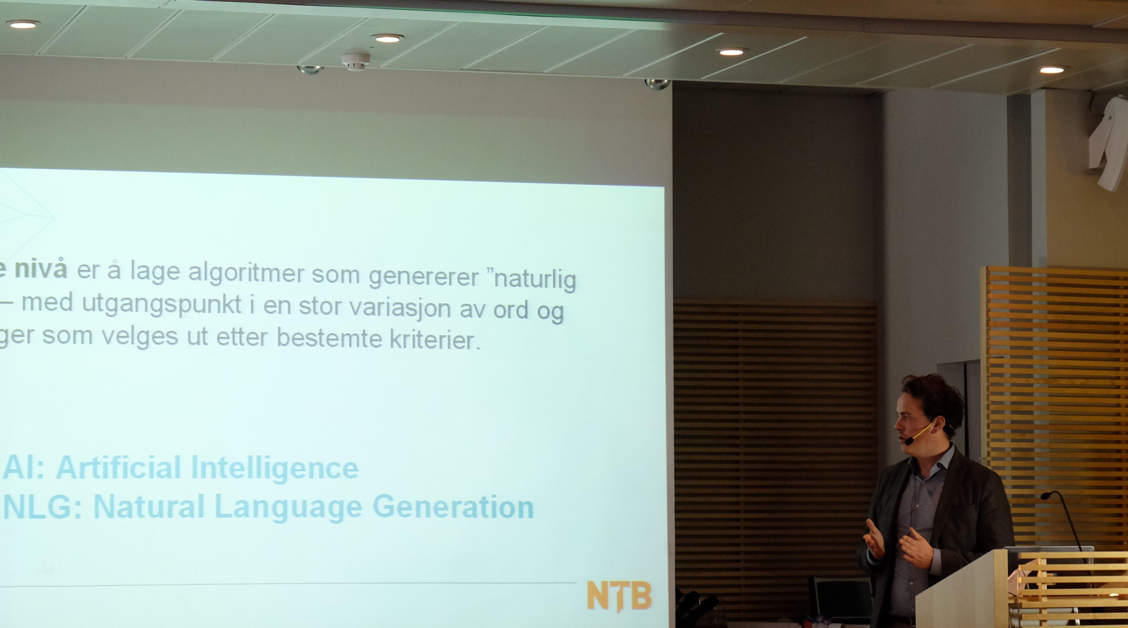Kunstig intelligens og «natural language creation» er noen av stikkordene ved NTBs fotballrobot.