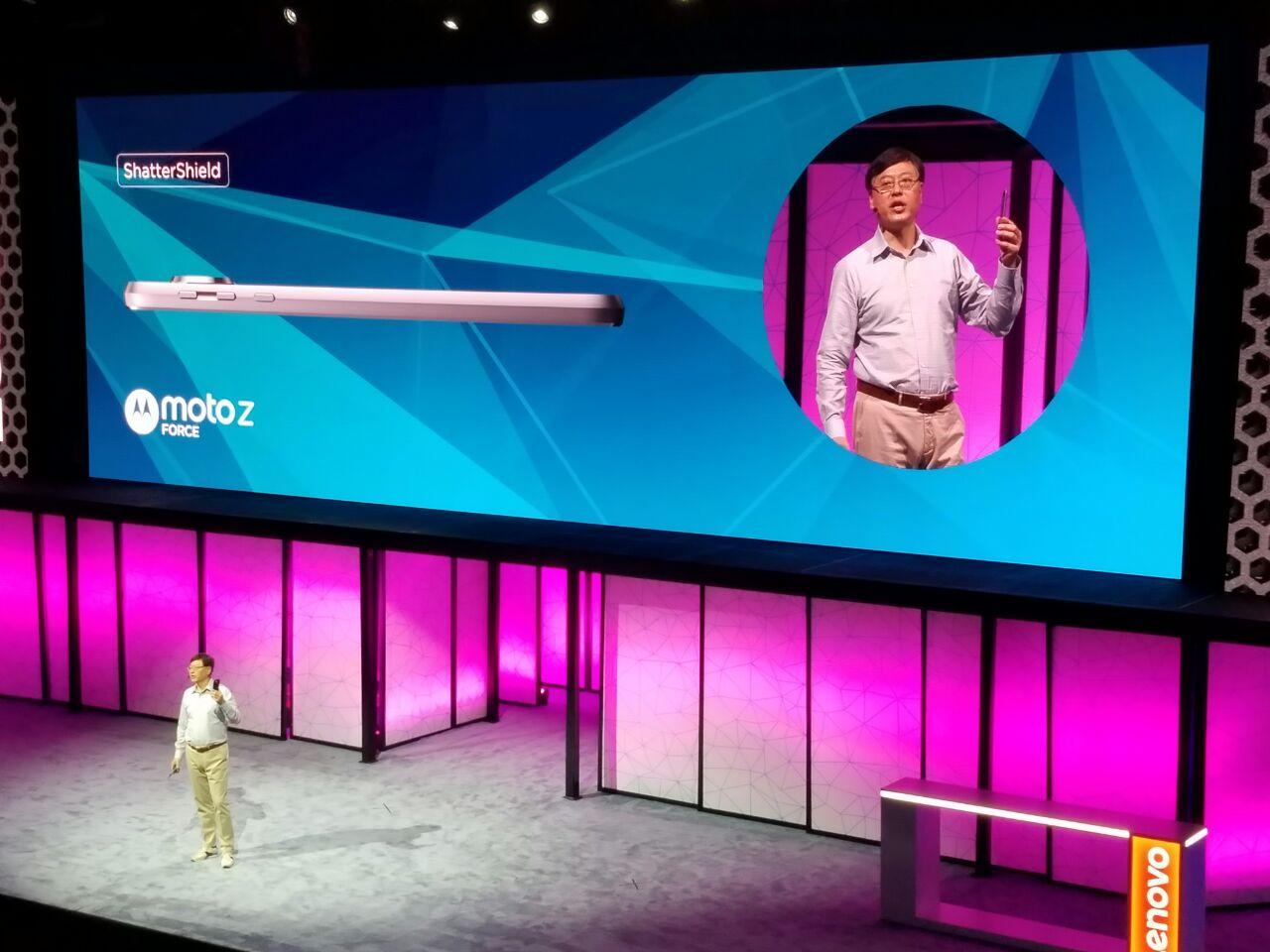 Motorola og Lenovo lanserte to nye Moto-mobiler i kveld.