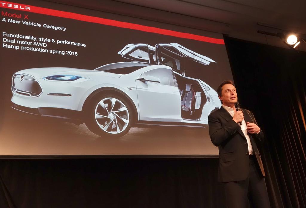 Elon Musk åpnet stolt sin nye giga-fabrikk idag.