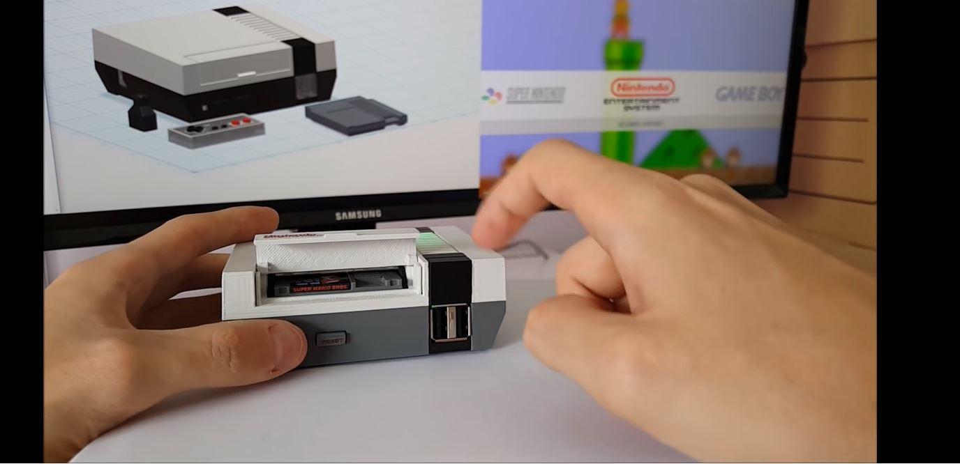 Denne NES modden har blitt nedskalert til 40 prosent av orginale dimensjoner.