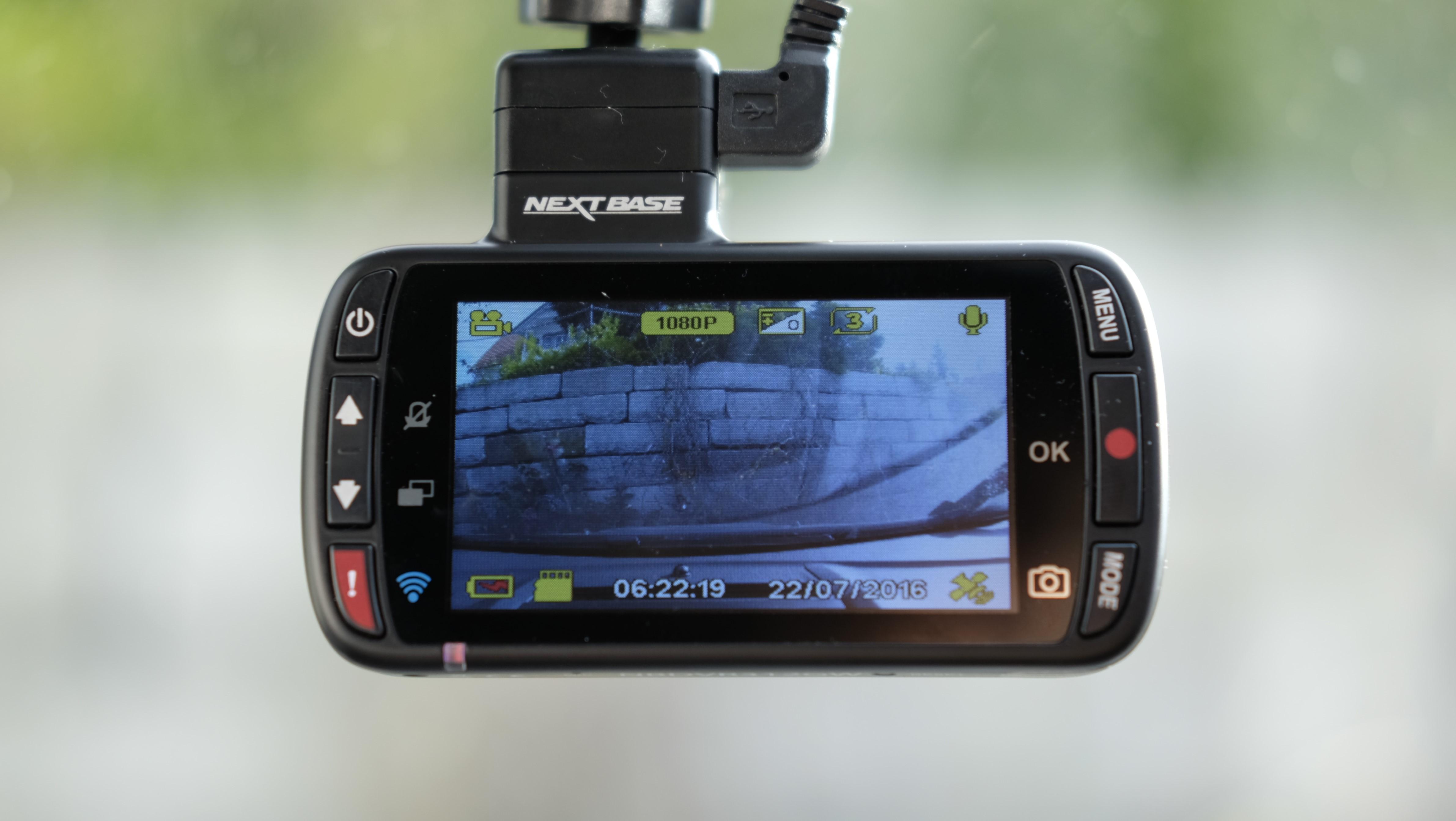 NextBase 312GW tilbyr en rimelig inngangsbillett for dashboardkameraer.