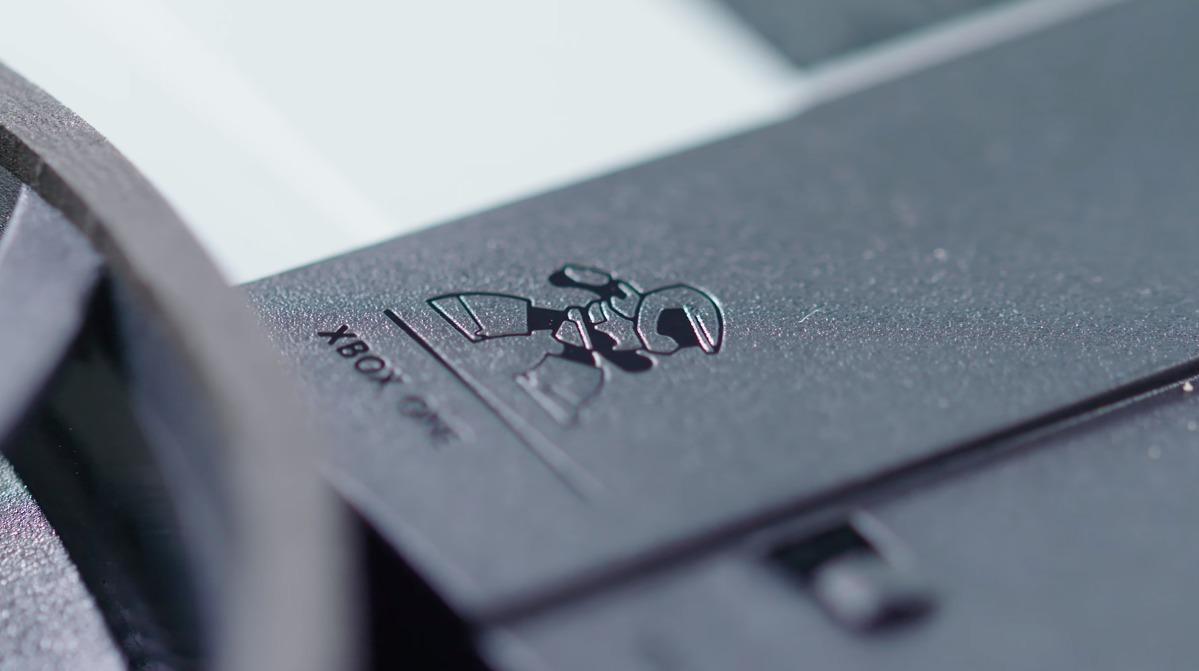 Microsoft har inngravert en Master Chief-figur i Xbox One S.