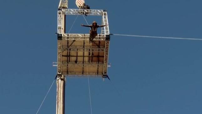 38 meter er ingen problem for suntmannen Damien Walters.