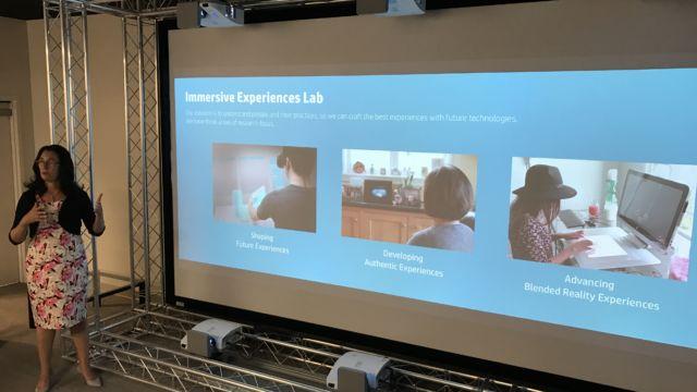 Sjefen for Immersive Experience Lab, Mirjana Spasojevic, forklarer.