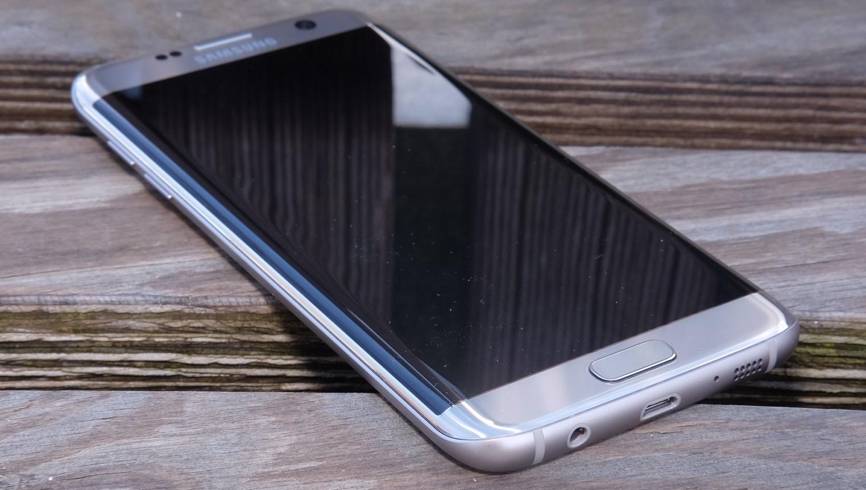 Samsung kan panel-teknologi, og ser nå kanskje sitt snitt til å lansere en rammeløs Galaxy S8 neste år nå som det ryktes at neste års iPhone blir en 7s, og ikke stor-oppgraderingen mange hadde håpet på etter sjuern.