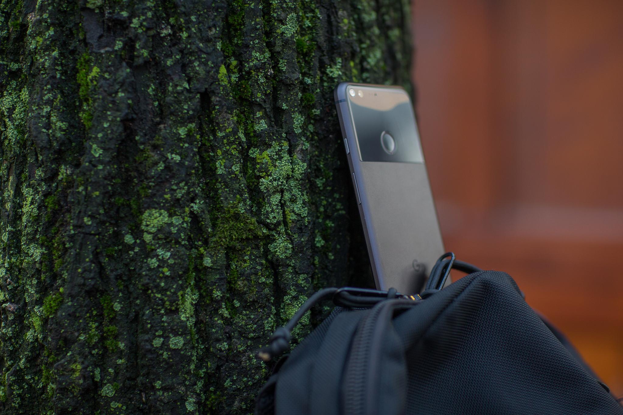 Pixel tar seg bedre ut på baksiden, men føles ikke like dyr i hånda som lommeboka har blitt fattigere.