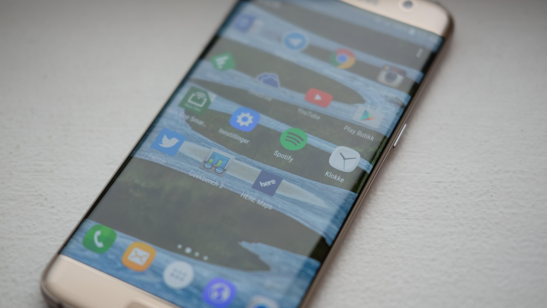 Kanadiske Amarjit Mann hevder at en Galaxy S7 eksploderte i hånden hans.