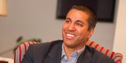 Ajit Pai er den øverste sjefen for forvaltningsorganet FCC.