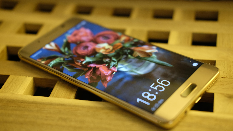 Den amerikanske utgaven av Huawei Mate 9 Pro får Amazon Alexa.