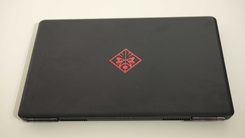 HP tviholder på det enkle Omen-designet.