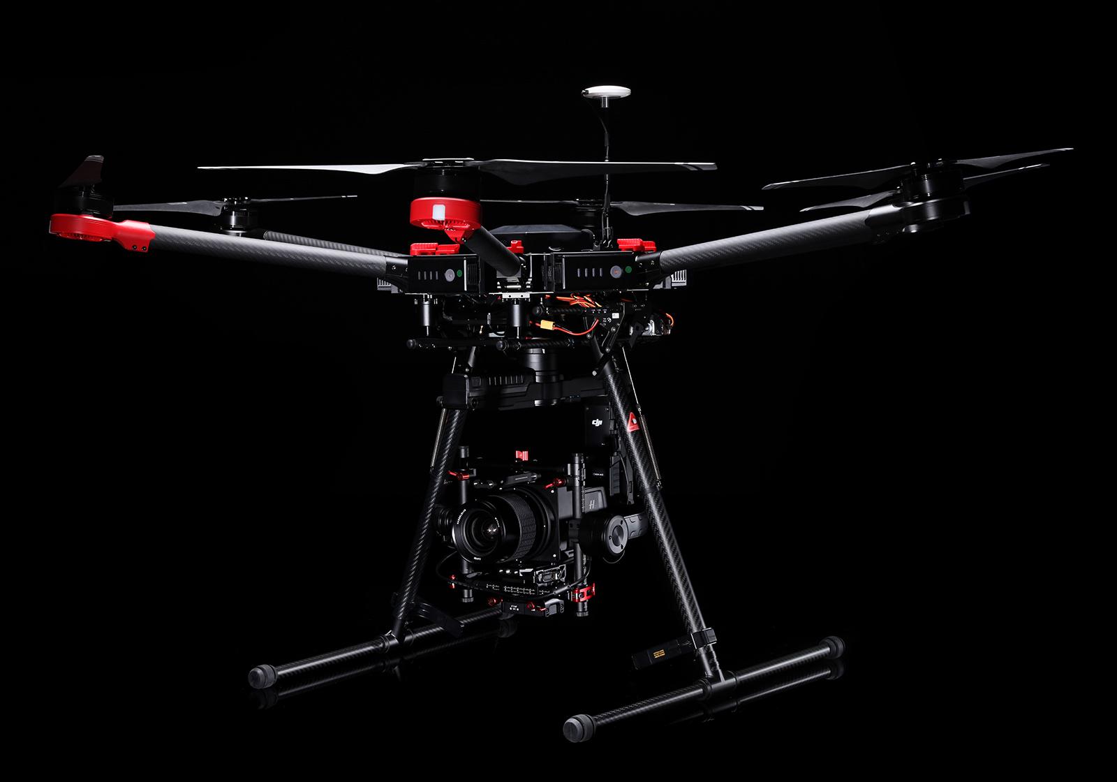 Et virkelig ikonisk selskap, Hasselblad, er visstnok eid av den kinesiske dronemakeren Dji etter at de først kjøpte aksjer vinteren 2015. Avbildet: DJI Matrice 600 med Hasselblad-kamera.