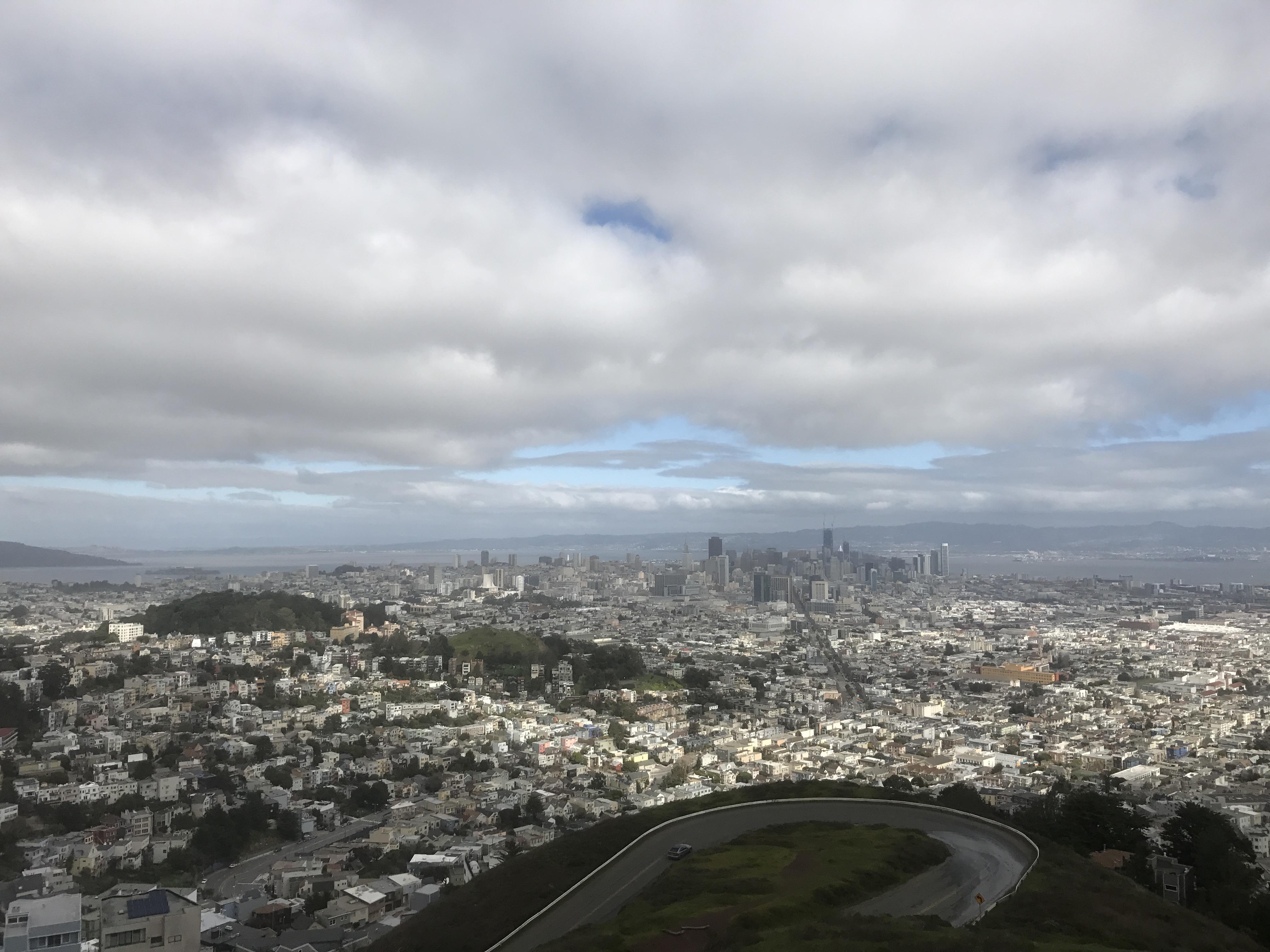 San Francisco må være verdens beste by å jogge i. Her på toppen av Twin Peaks.