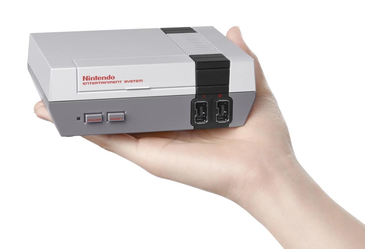 Nintendo klarte ikke å skaffe nok av en eller flere komponenter, derfor stoppet salget på 1,5 millioner, et tall som etter etterspørselen å dømme kunne ha vært langt høyere.