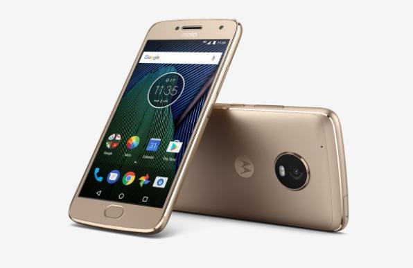 Mellomklassetelefonene fra Motorola/Lenovo er solide og billige.