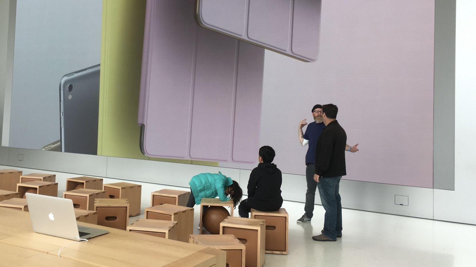 Apple har planer om å intergerere en egen AI-CPU i iPhone og iPad, men det kan tenkes brikken først lanseres til biler.