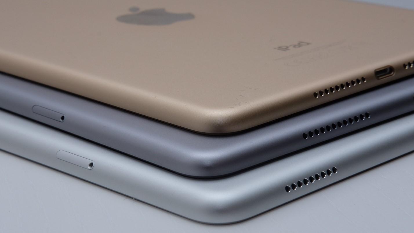 Apple er fortsatt størst, men synker også for trettende kvartal.