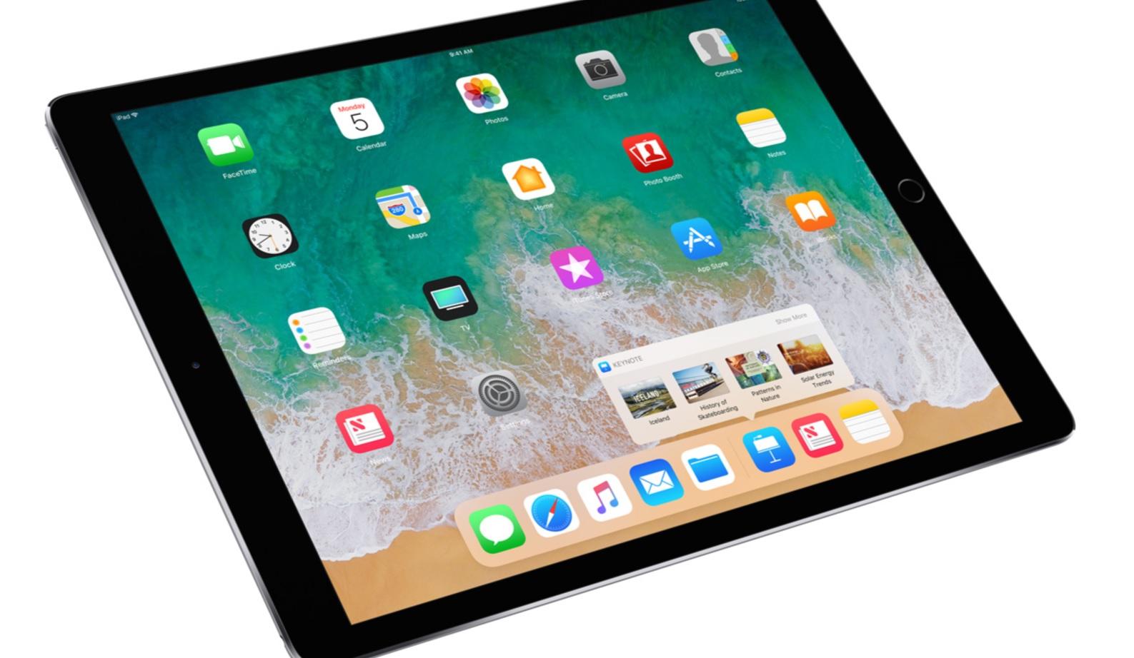 Apples nye 10,5-formfaktor er lur, selv om brettet er litt større enn iPad Pro 9,7. Skjermen er knallgod, på mer enn en måte.