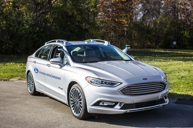 Ford regnes som en av lederne i markedet for førerløse biler, men får neppe testet teknologien sin i India med det første.