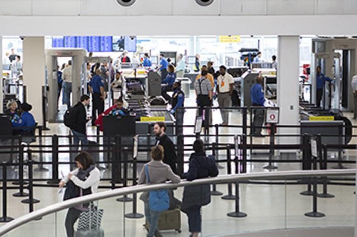 Amerikanske TSA innfører strengere sikkerhetssjekker.