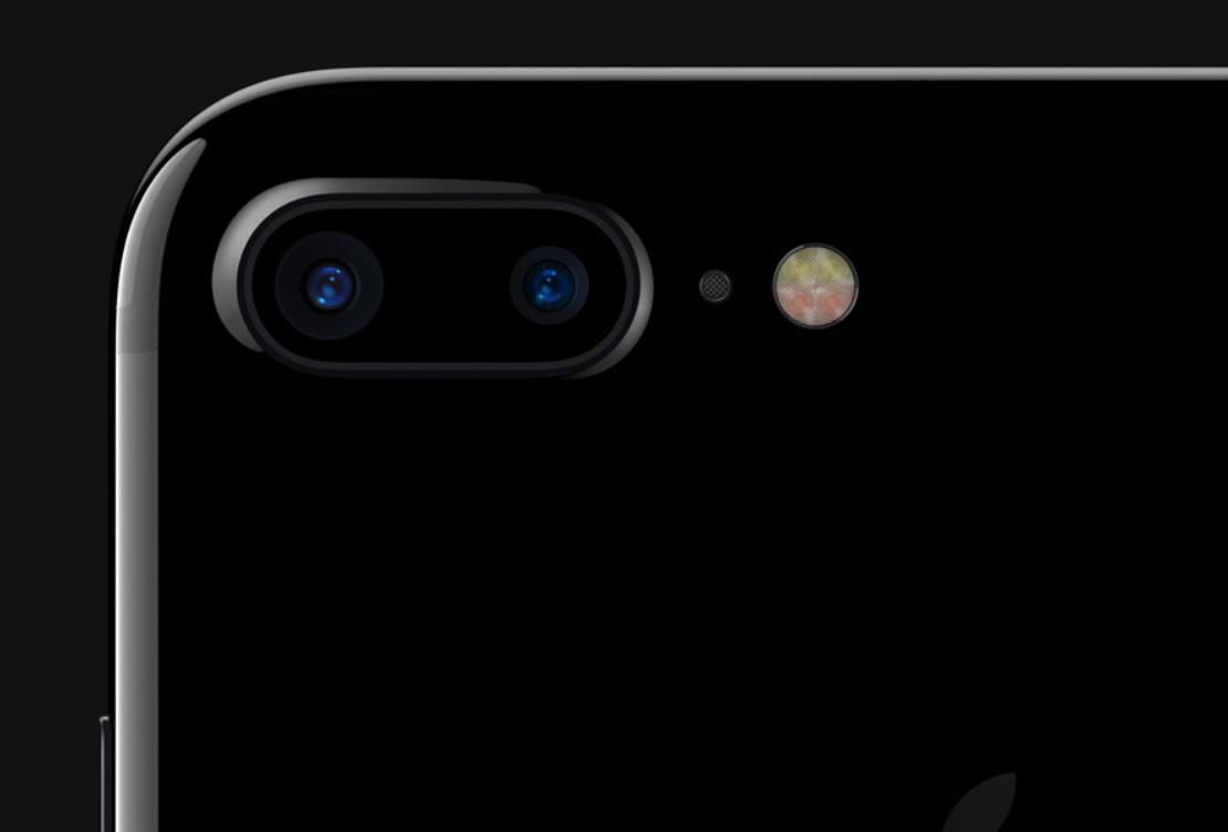 Ifølge kilder fra Foxconn har Apple startet testing før masseproduksjonen starter av de tre nye iPhone-modellene, men det er ikke sikkert de klarer produsere nok iPhone 8-modeller grunnet den nye fingersensoren.