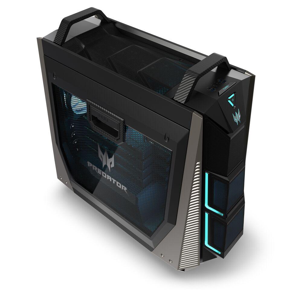 Dette er Predator Orion 9000-serien fra Acer som kan fås med opp til fire Vega-skjermkort fra AMD og vannkjøling.