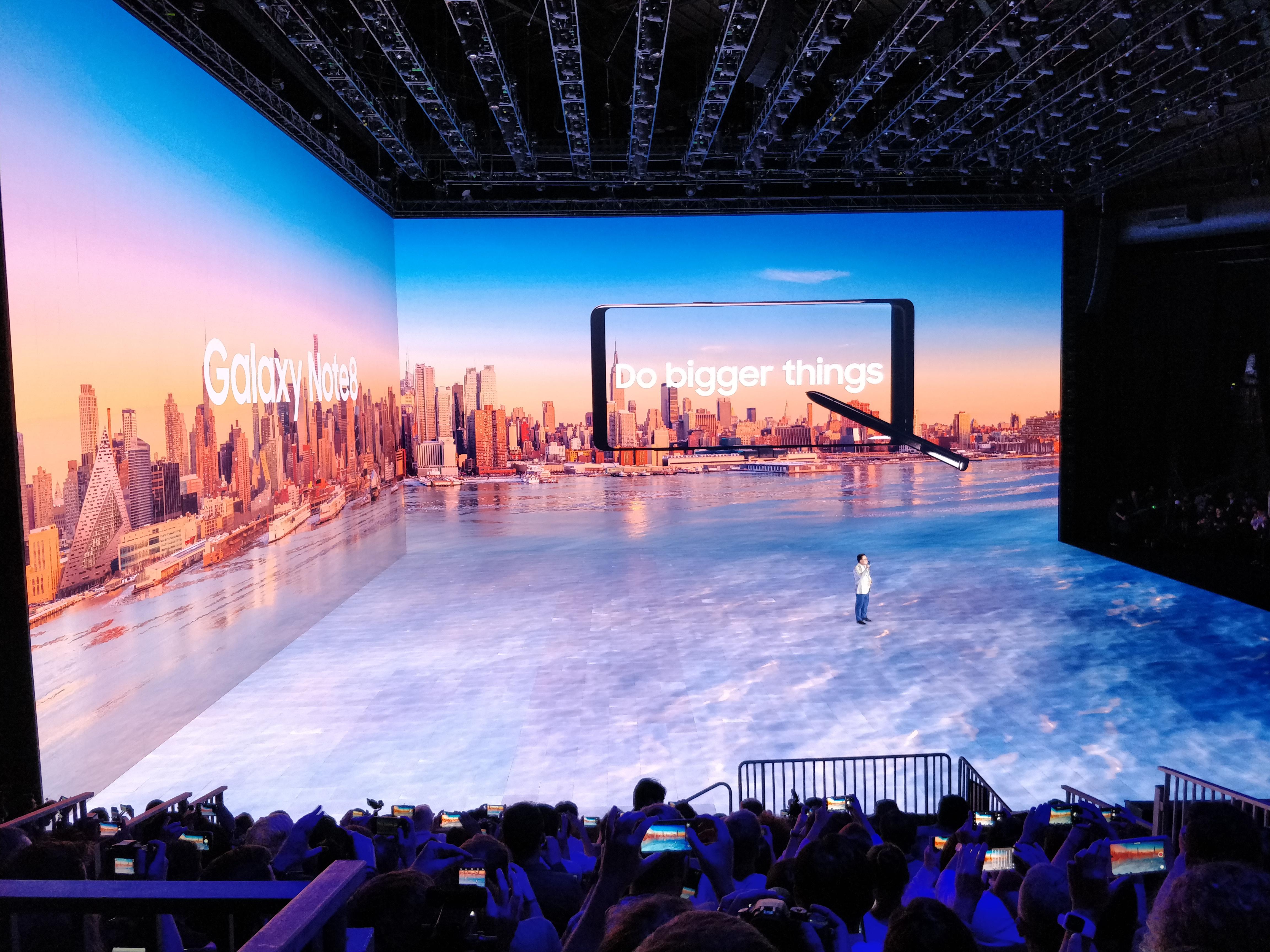 Note 8 lanseres 15. september. De som forhåndsbestiller får med DeX på kjøpet slik at mobilen kan kobles til en skjerm og bli PC.