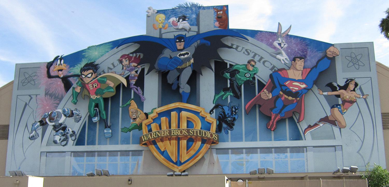 Warner Brothers er et av filmstudioene som er i samtaler med Apple om strømming av kinofilmer.