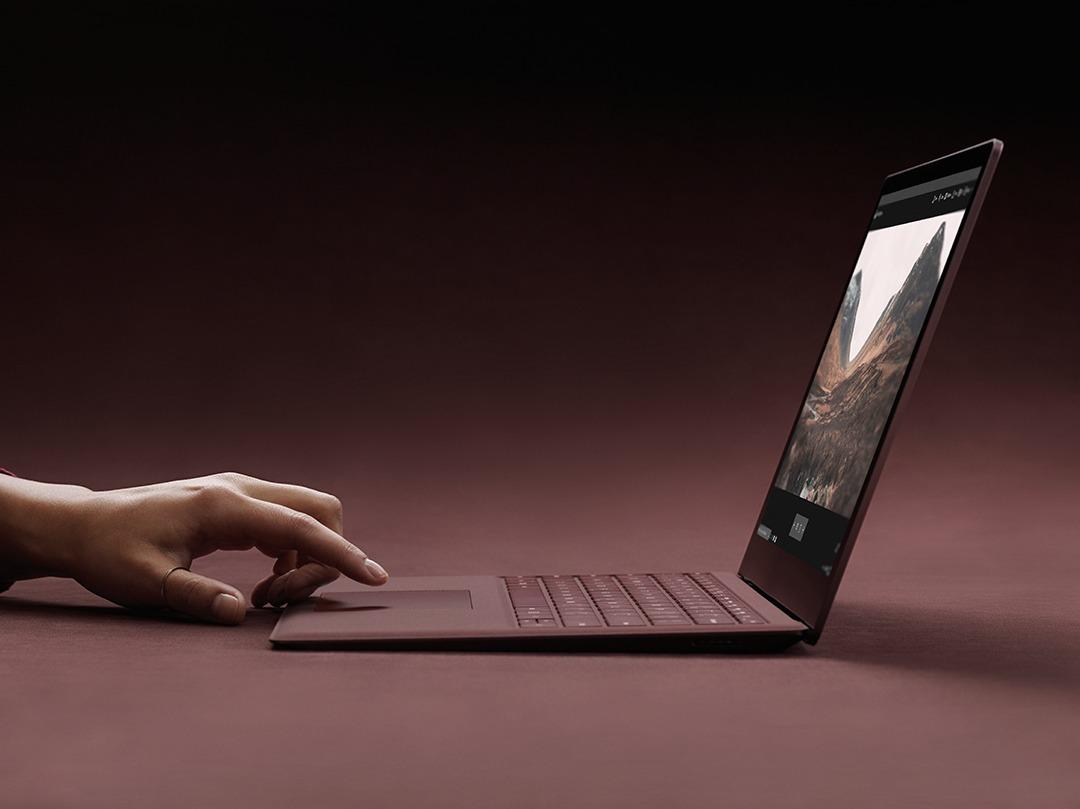 Dell og Lenovo tror Microsoft kommer til å trappe ned satsingen på Surface.