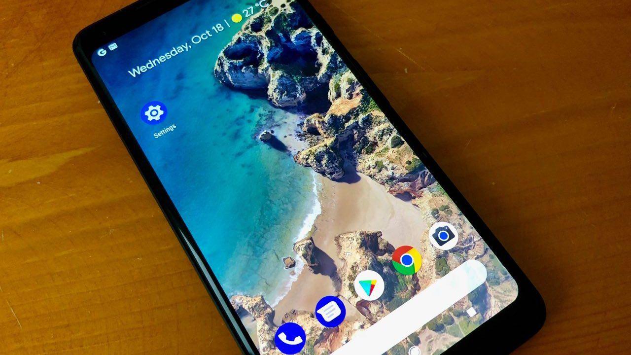 Flere Pixel 2 XL-brukere opplever innbrenning i skjermen. Modellen i bildet er ikke rammet.