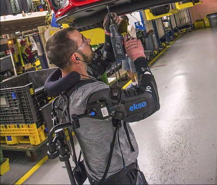 Robotskjelletet vil nok hjelpe mot plager som kan oppstå ved repeterende arbeid.