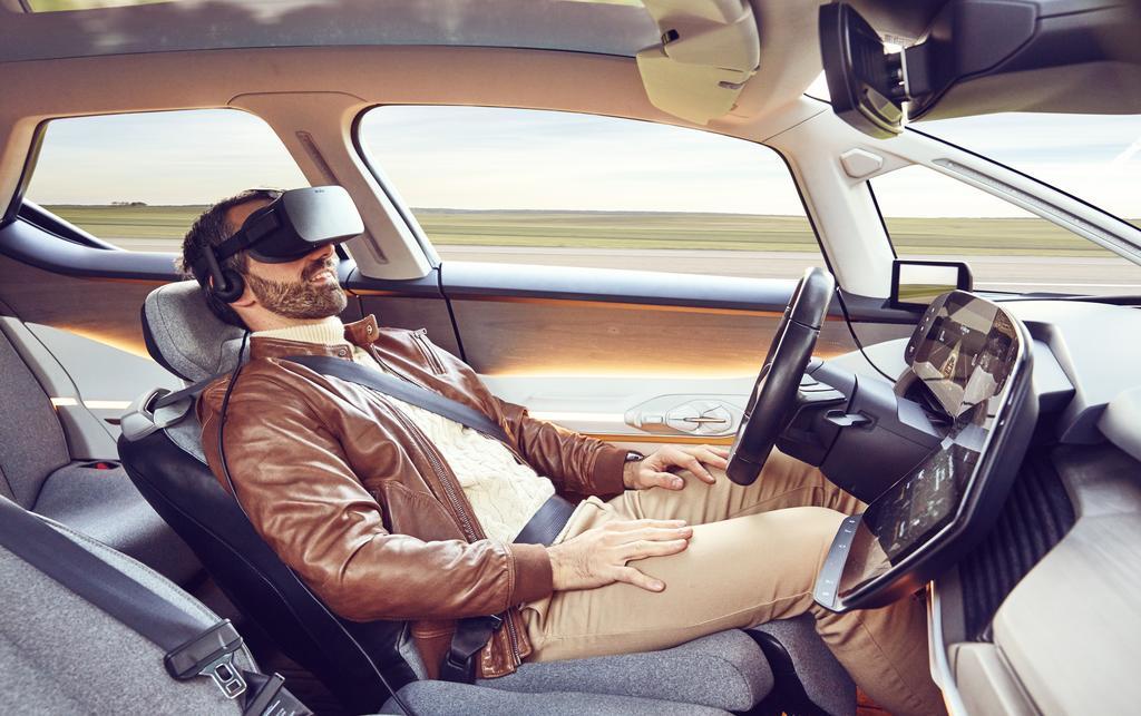 VR skal gi et ekstra piff til opplevelsen når bilen tar over styringen.