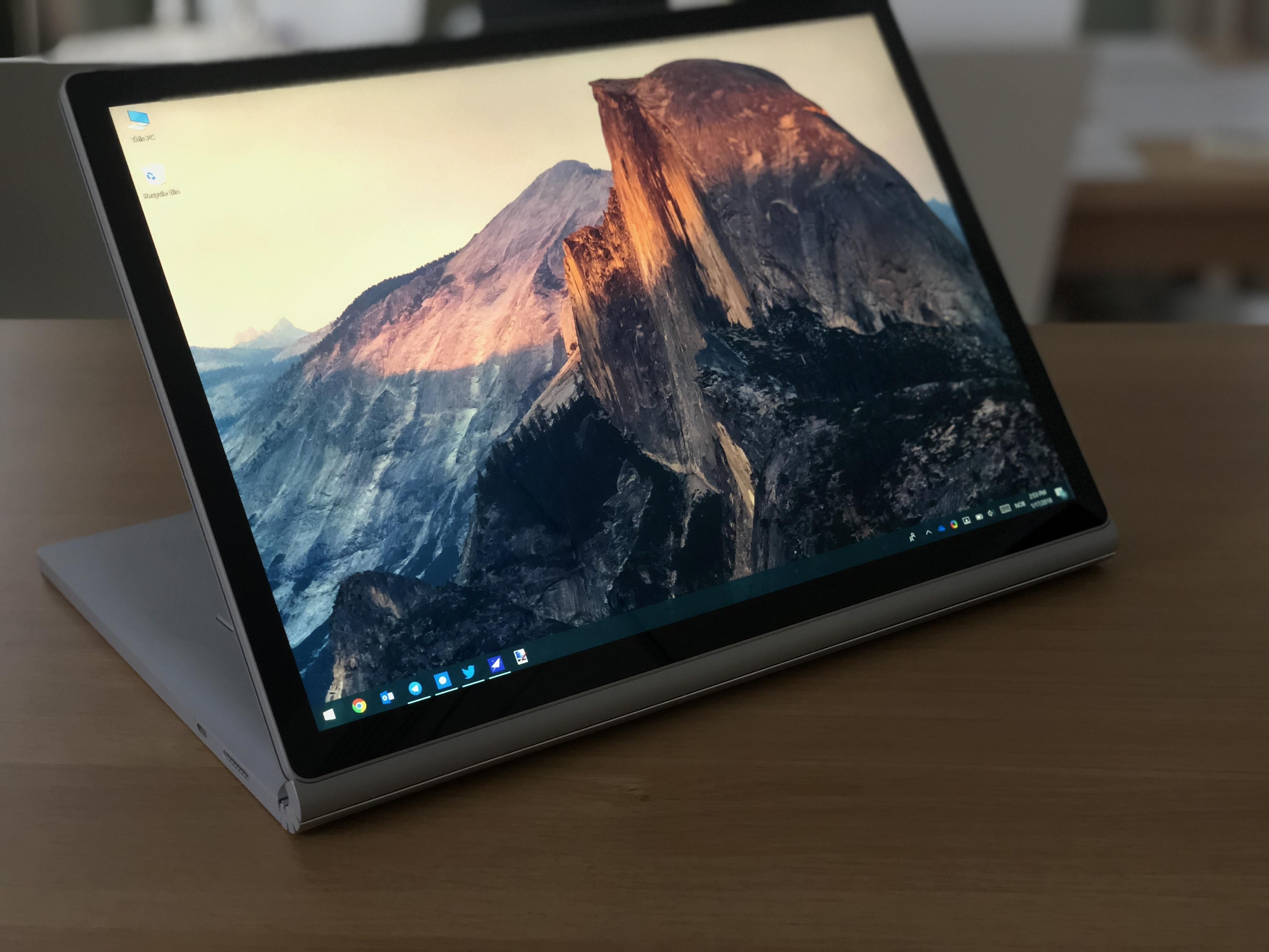 Surface Book 2 15 er en seriøs arbeidshest, men vet også å underholde.