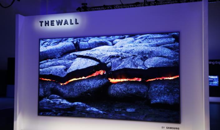 The Wall er et imponerende skue.
