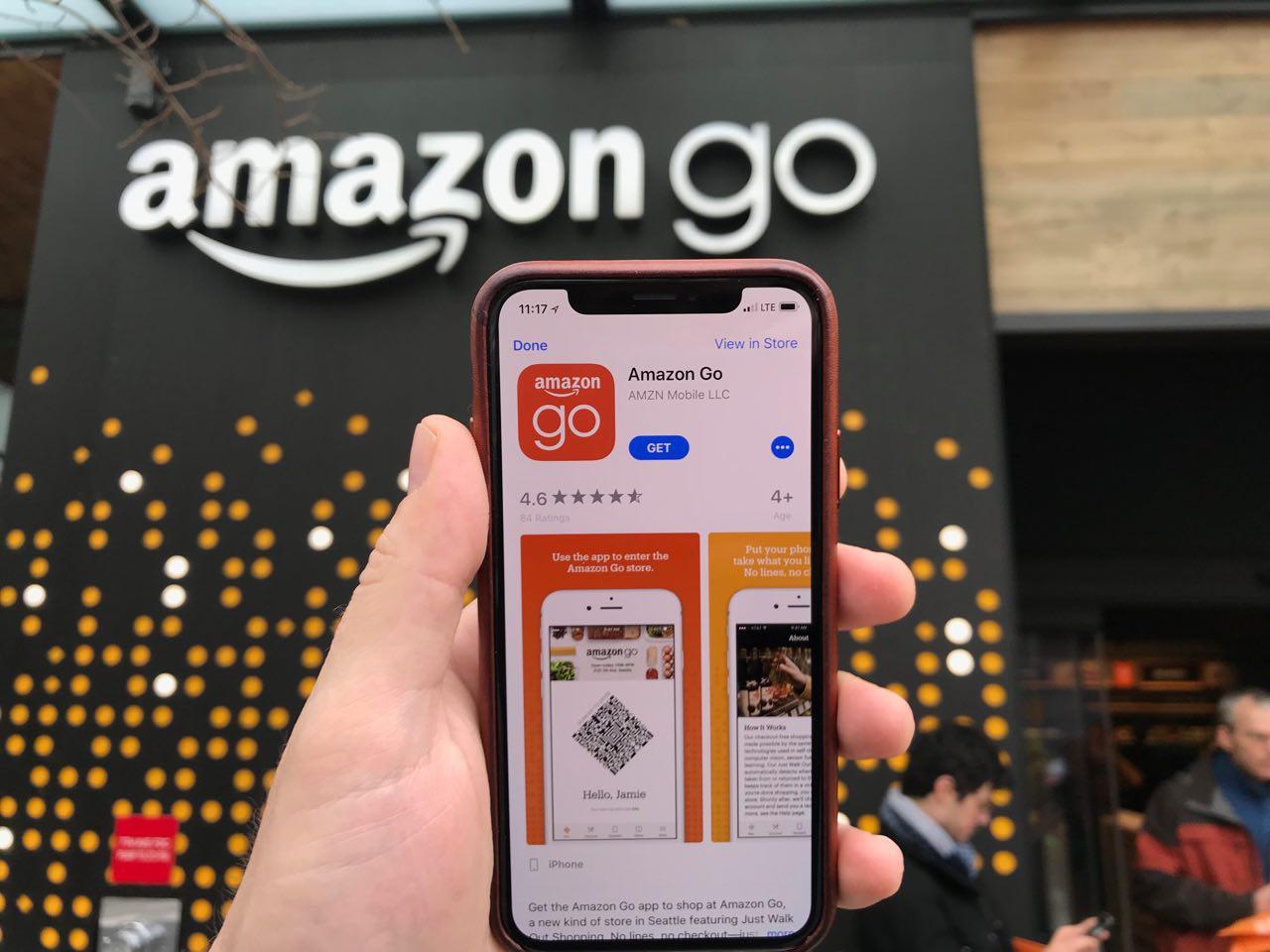 Amazon Go er en butikk uten medarbeidere (bortsett fra i alkoholdelen der man må vise legimitasjon til en medarbeider). Det er ingen kø og alt fungerte tilfredsstillende under vår test.