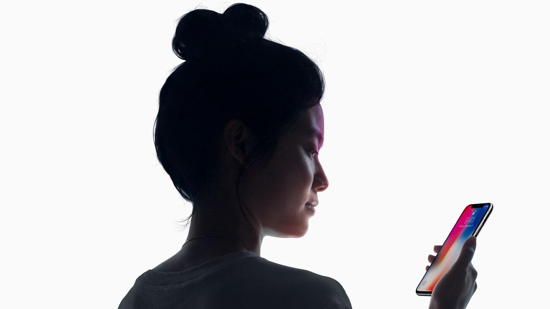 iPhone X har avansert ansiktsgjenkjenning, kalt FaceID.