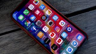 iPhone X-brukerne digger alt utenom Siri