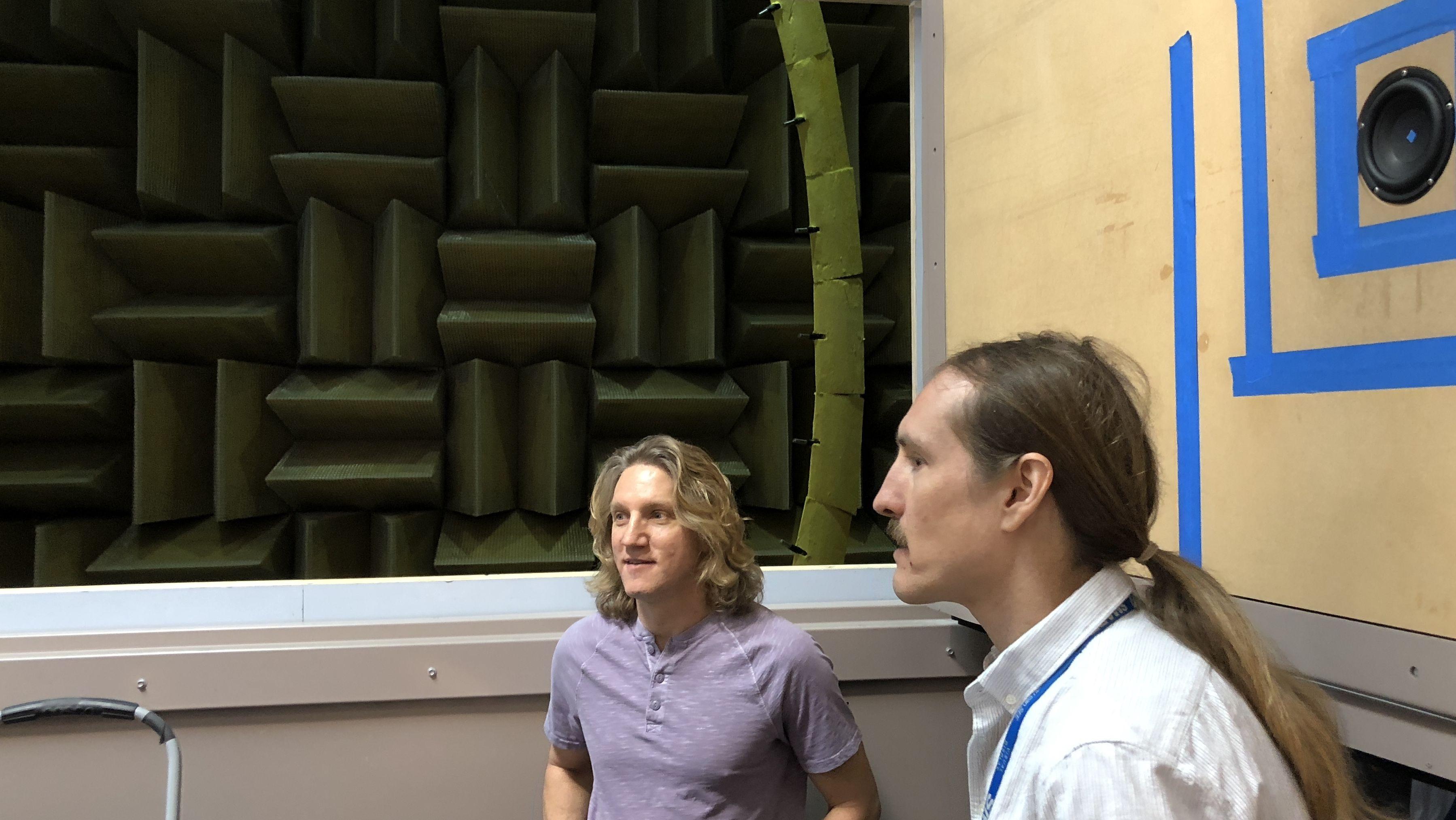 I dette rommet ingen andre selskap har, skaper Samsung lyden du hører hjemme
