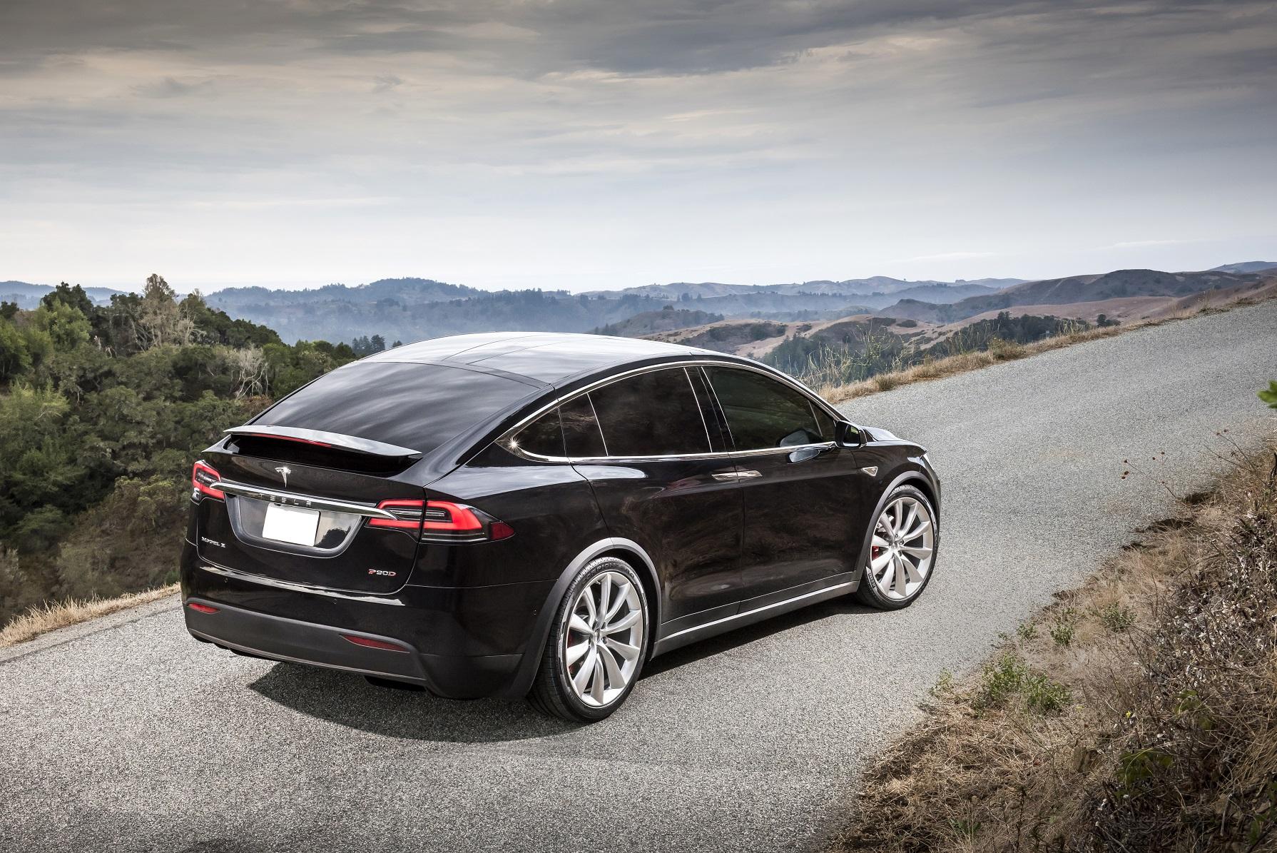 Tesla bekrefter: Autopilot var aktivert i dødskrasj