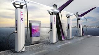 De bygger «elektrisk motorvei» fra Norge til Italia – nå er den første ladestasjonen på plass