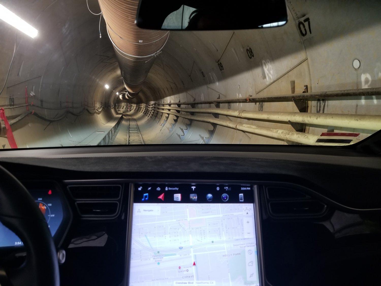 Se video av Elon Musk-selskapets første tunnel i Los Angeles.