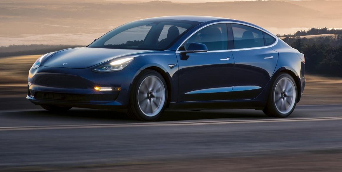 Musk fikk ikke sparken - produserer 3500 Model 3 i uka