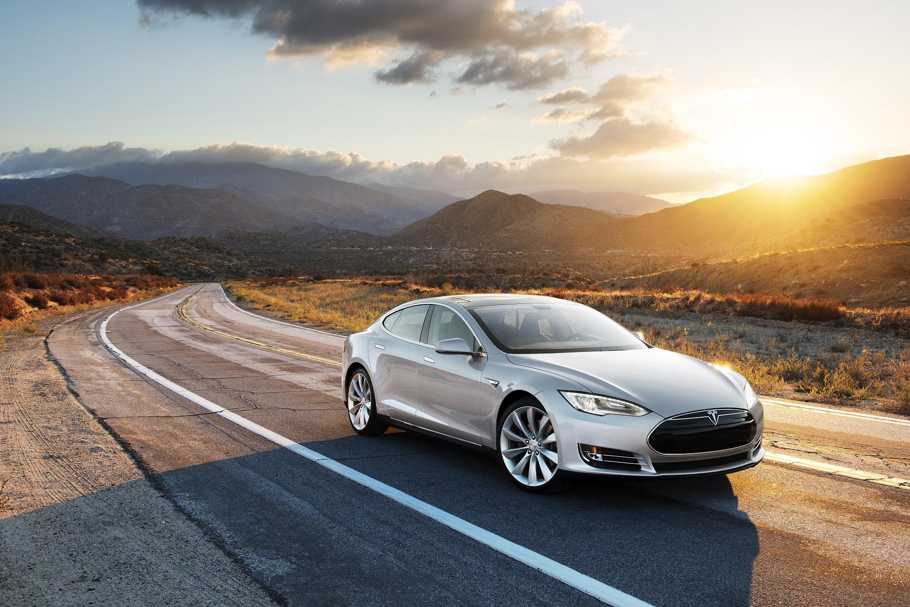 - Nordmenn har all grunn til å være misfornøyde med Tesla.