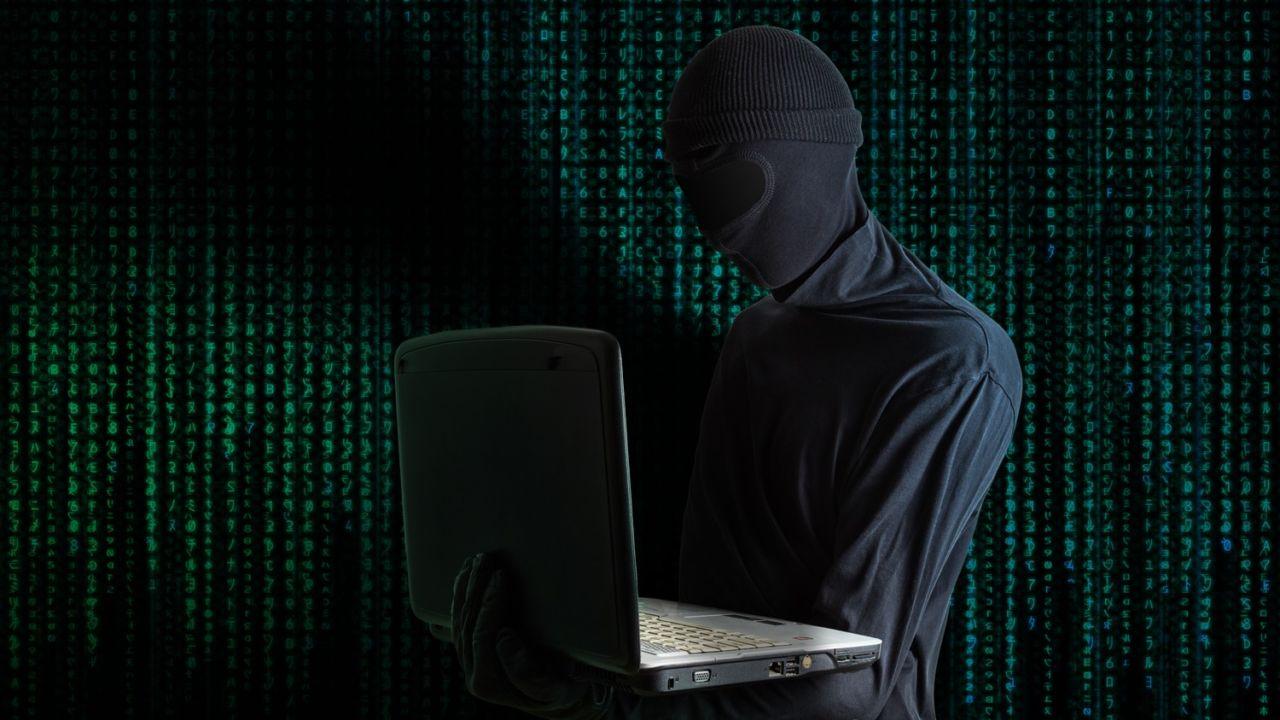 Robbet eget selskap for fryktet spionvare - forsøkte å selge det for 50 millioner dollar