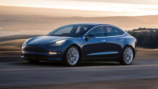 Elon Musk svarer på analytikerpåstander: Jeg vet ikke hvor den dritten kommer fra.