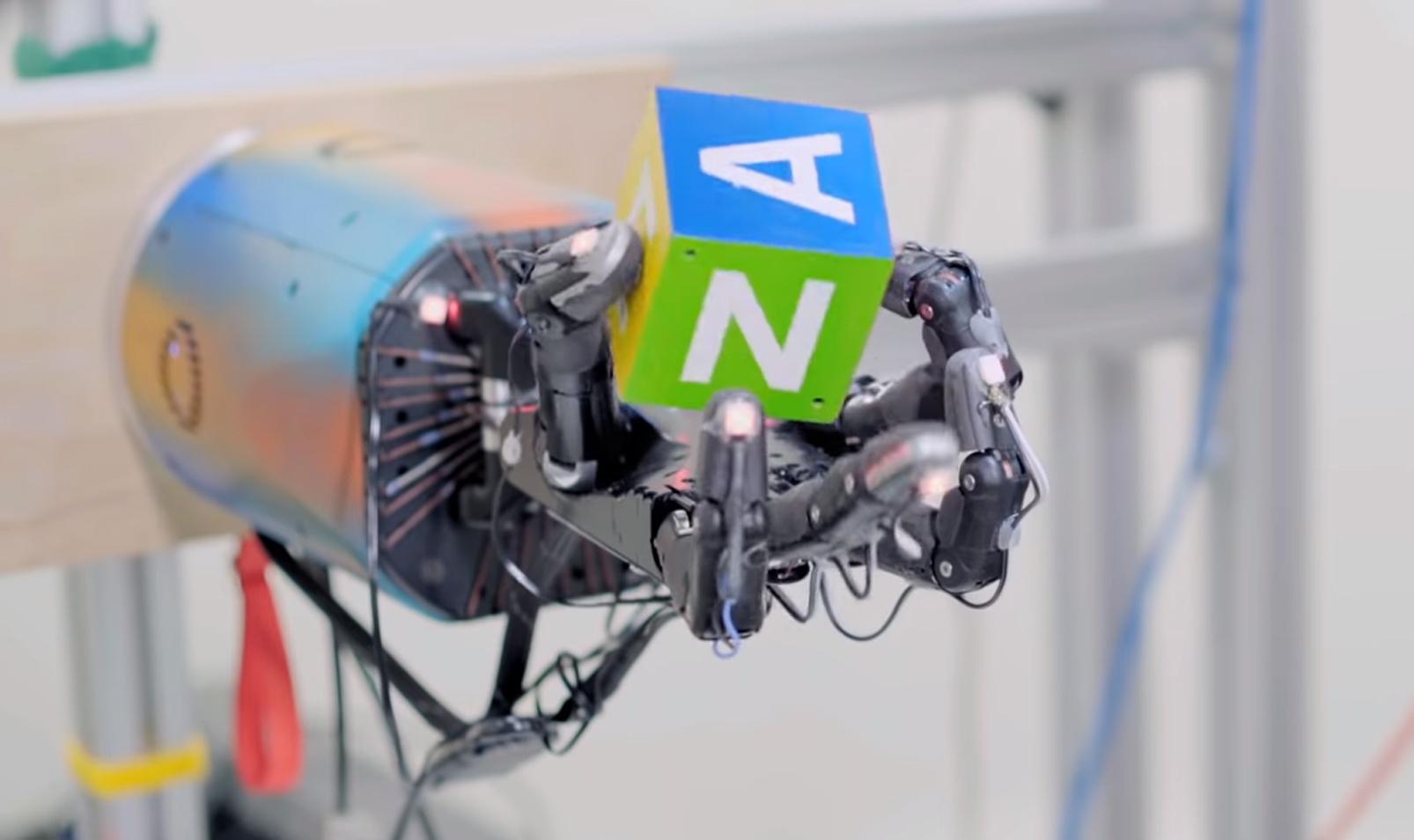Simulert maskinlæring har blitt vellykket overført til fysisk robothånd