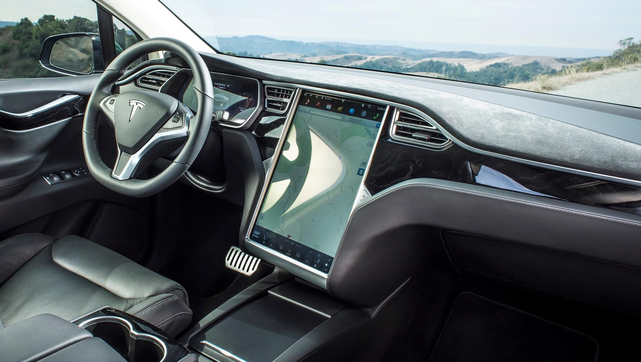 I fremtiden kan man strømme video i en Tesla.