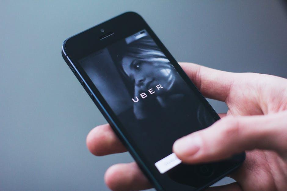 Toyota investerer over fire milliarder i Uber - dette skal de samarbeide om.